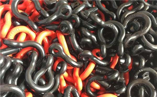 Painted coated shackle