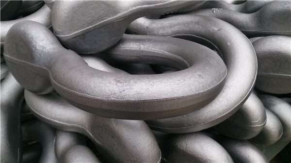 Self-colored shackle